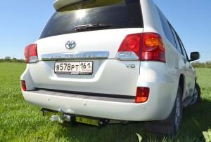 Фаркоп на Lexus LX 570 (2007-), Toyota Land Cruiser 200 (2007-) с нерж.пластиной (Лидер-Плюс T110-F(N))