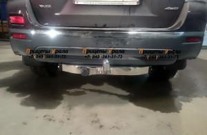 Фаркоп на Toyota Highlander (2010-2013) с нерж.накладкой, надпись Highlander (Baltex 24.1958.08)