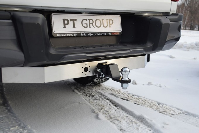 Фаркоп на Toyota Hilux (2015-) с нерж.накладкой (PT Group 09121501)